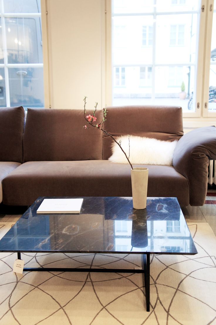 Essential sofa brings the ultimate comfort to your livingroom...#casuarina #casuarinastore #edra #baxter #rugskristiinalassus #homedecor #homedecoration#decoration#interiordesign #interior #interiors #home #homedesign #homestyle