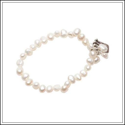 Ett armband för de lite mindre tjejerna från Pearls for Girls