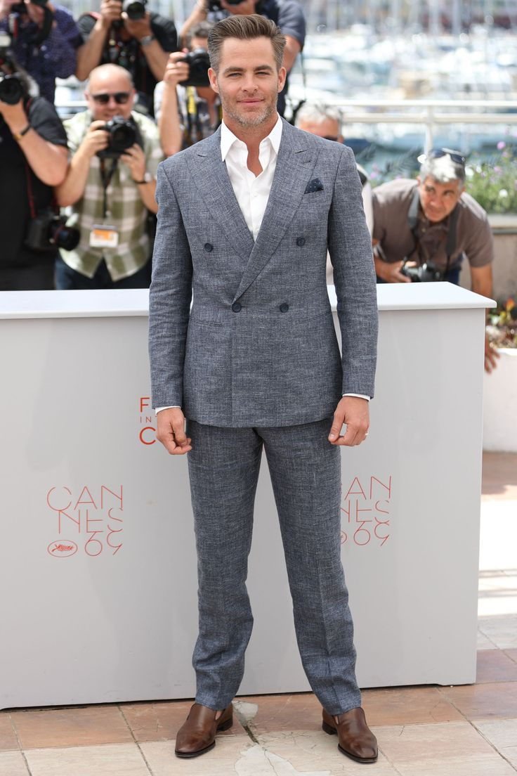 16 May Chris Pine wore a grey suit with a white shirt for the photo call for Hell or High Water.   - HarpersBAZAAR.co.uk