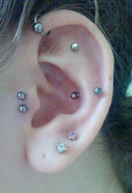 #piercing ; 2 tragus, 2 lobe, snug, inner helix, forward helix #piercings