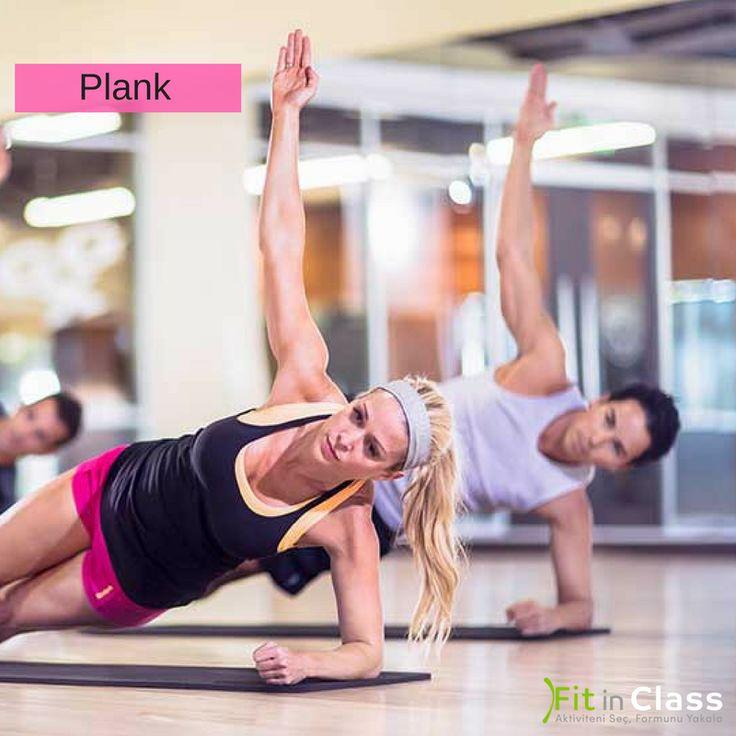 """Sıkı bir kalça , güçlü bir sırt, selülitsiz bacaklar ve düz bir karın hedefliyorsanız """"plank"""" hareketi ile tanışmanın vakti gelmiştir  :)  Egzersiz yapmaya yeni başlayanlardansanız; plank pozisyonunu 10 veya 15 saniye tutarak başlayabilirsiniz, düzenli olarak egzersiz yapanlardansanız, başlangıç olarak 2 dakikaya kadar çıkabilir, ardından ara verip, 5 kez tekrar edebilirsiniz.  Sizin plank pozisyonunda rekorunuz kaç saniye?  www.fitinclass.com"""