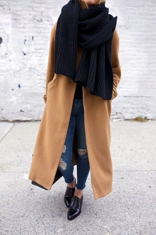 Chic winter look | tan trench coat + oversize black scarf + destroyed skinny jeans + slip on black shoes