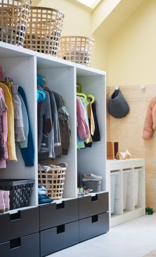 Individual cubbies for coats/bags, and drawers for accessories and shoes