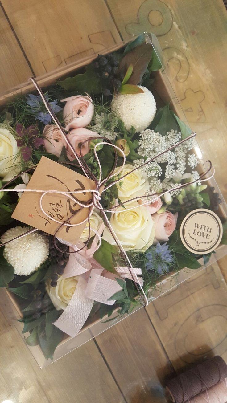 러블리한  화이트데이 꽃박스  #flower_box#White_day https://story.kakao.com/twojung2015/FFGEkYfQ4c0