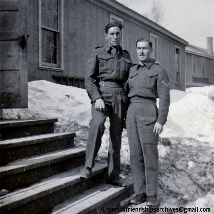 « Friends forever » (resized) Two affectionate canadian army soldier wearing the Battle Dress during WW2. /// Deux soldats canadiens affectueux portant l'uniforme de combat pendant la Deuxième Guerre mondiale. #maleaffection #mentogether #affectionatemalephotography #bromance #1940s #ww2  #ww2uniform #canadianarmy