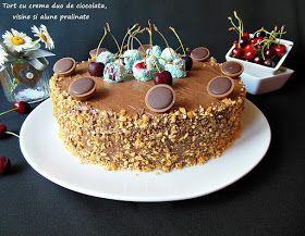 Iubitori de ciocolata, de visine, luati de priviti la acest tort, poate va face cu ochiul si il si pregatiti si voi. Este un tort supe...