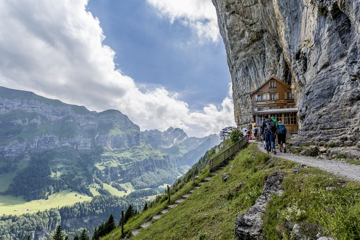 Von der Ebenalp via Wirkirchli zum Berggasthaus Aescher und im Anschluss weiter zum Seealpsee - eine Traumtour im Appenzellerland
