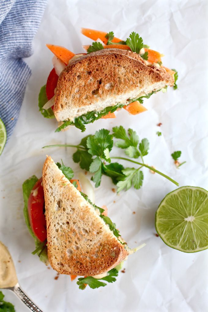 Avocado & Spiced Hummus Sandwich via Nutrition in the Kitch
