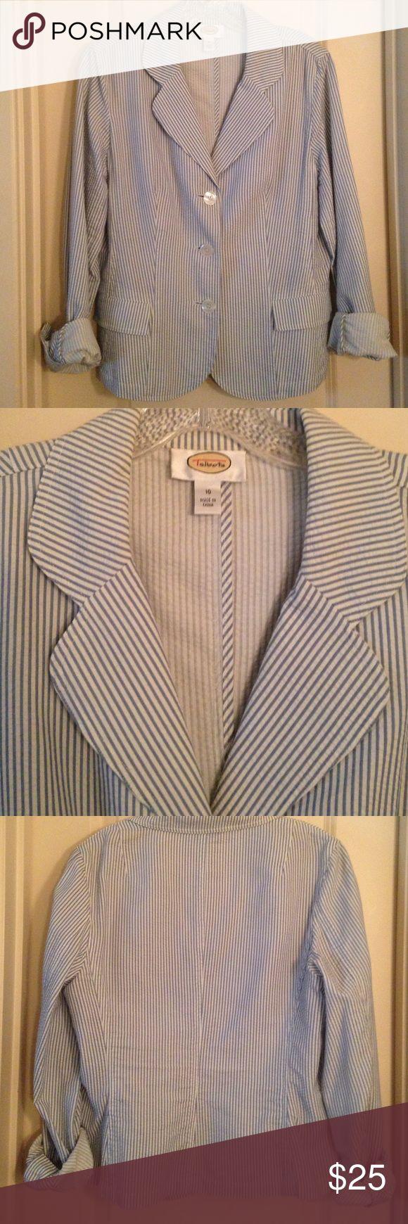 "Seersucker blazer darling seersucker blazer, pleated details, very flattering, shoulder to hem 23"", 100% cotton, looks great w navy skirt or slacks, white jeans, or anything really, nonsmoking home Talbots Jackets & Coats Blazers"