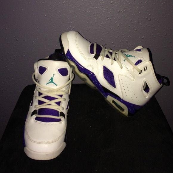 Grape Flight Club 91' Jordans. 5 youth Like new. Little yellowing. No creases. Jordan Shoes