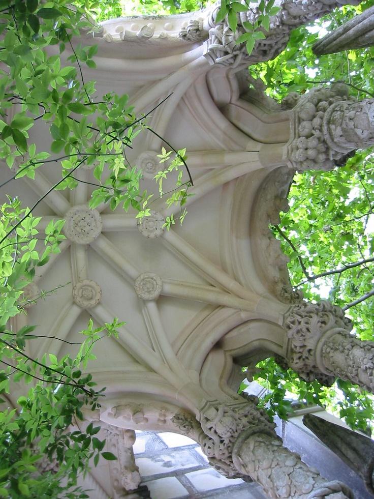 Love the plaster set against green