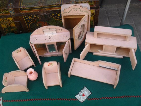 Antique Wooden Doll House Pink Furniture   Beautiful Miniature Items