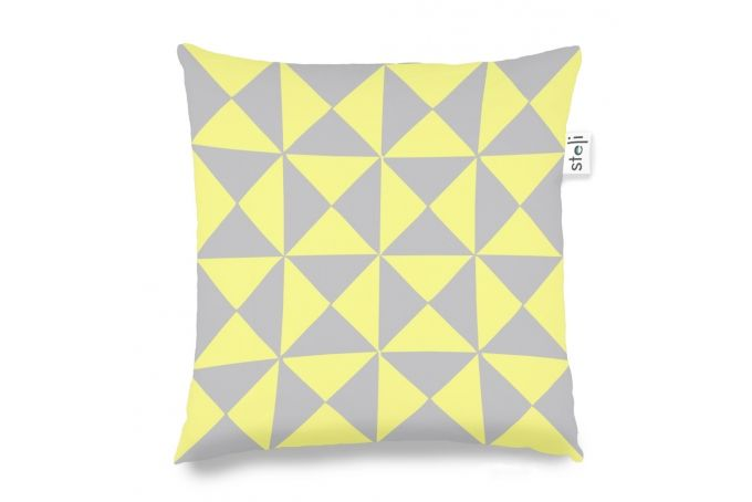 small triangle yellow by steli