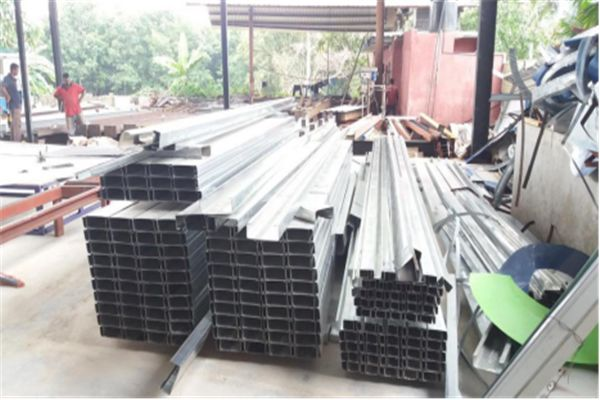 #Galvanized #Steel #C #Purlin #Roll #Forming #Machine processing galvanized steel thickness 2-3mm,width 80-300mm,height 40-80mm.This is automatic adjustable roll forming machine.From button,you can get the correct sizes.C Purlin used for factory,supermarket,exhibition and so on.