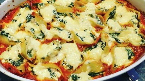 Schelpen met ricotta en spinazie, overgoten met citroen crème fraîche