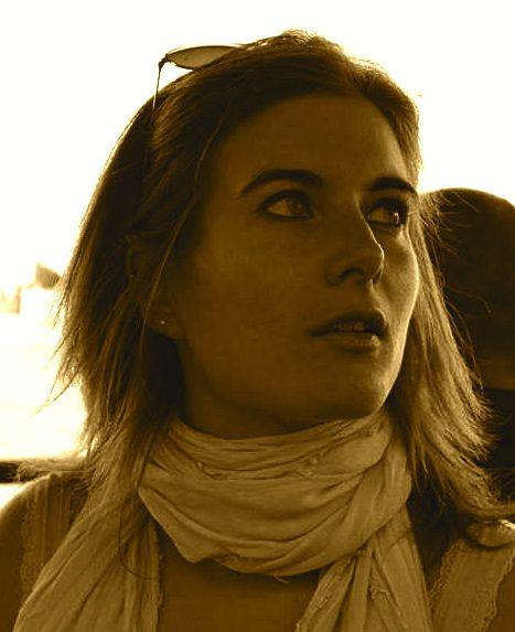 """Elisa """"Liz"""" Pasqualetto - Un saluto senza rimpianti http://ornitorinko.com/2015/04/26/liz-nessun-rimpianto-inseguo-i-miei-sogni-tra-viaggi-e-scrittura-online/"""