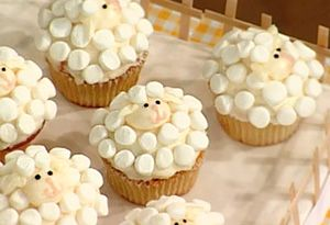 Sheep cupcakes...these are adorable.