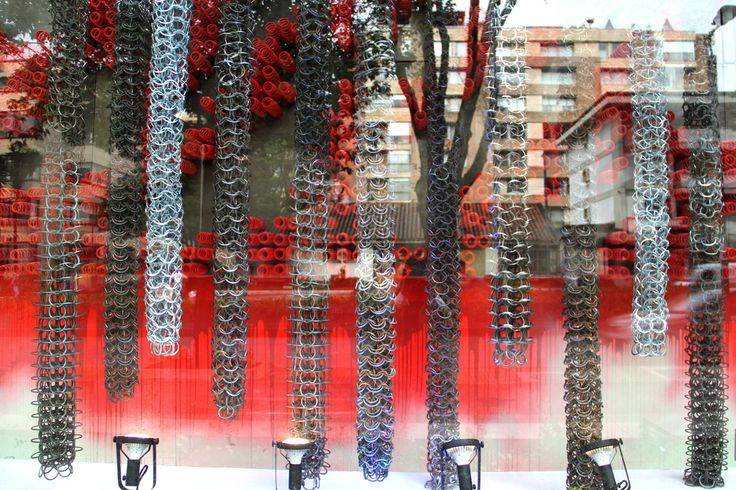 Obra de arte ''Arte De Armarte'' por Claudia Hakim. www.lavitrina.com - Window Display