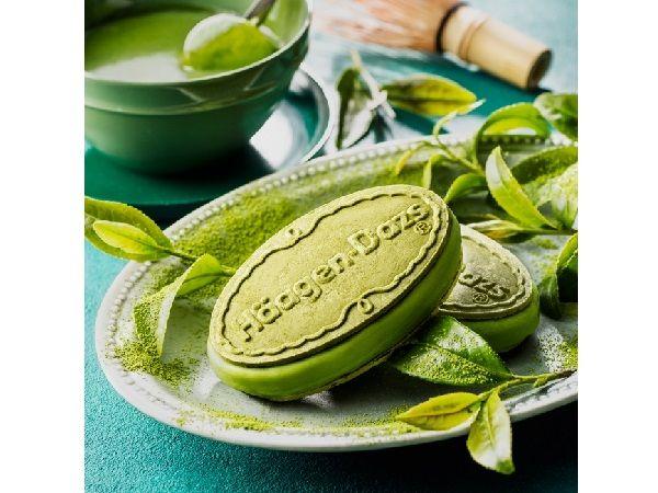 ハーゲンダッツのクリスピーサンドに、日本市場向けフレーバー第1号となる『グリーンティー』20周年を記念した『抹茶フォンデュ』が新発売される。サクサクのウエハースでサンドしたアイスの新テイストに注目♪8月16日(火)より期間限定で発売されるのは、濃厚な抹茶の味わいを存分に楽しめるクリスピー