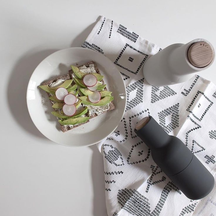 #Repost @sarah_cocolapine one of our favorite stylists! Featuring the @menuworld bottle grinders. ・・・ Lunch