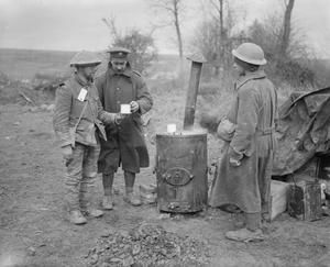 WWI, Nov 1916, Somme; Serving coffee to wounded, Hamel. Battle of the Ancre. ©IWM