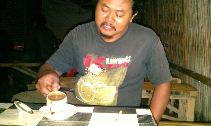 My friend. Mr. Ridho 'jolodong' vespa Ponorogo mechanic.