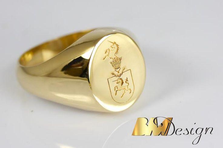 Sygnet z herbem, pieczęć herb złocie. Męska biżuteria . Projekt i wykonanie BM Design  #Rzeszów #złotnik #pracowniazłoticza #BM #diamenty #diament #brylant #naprawa #nazamówienie #herb #sygnet #pieczęć