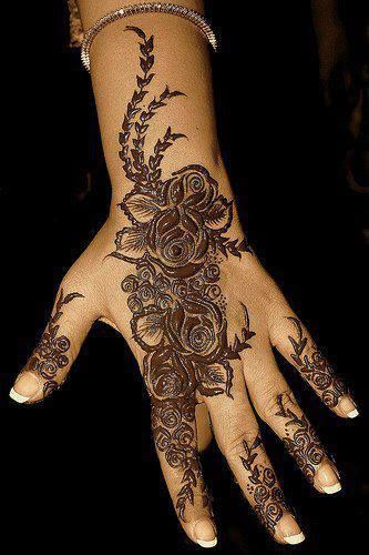 Shaded Indian Mehndi Design On Hand--this looks really cool, I wonder how it comes out.