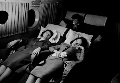 Voyage à Rome - Sieste dans l'avion Photographe : Jacques Rouchon