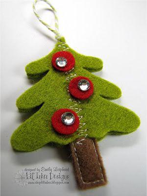 Kerstboom hanger Ook leuk als kerstwens ipv van een kaartje.  Kijk voor al het vilt eens op http://www.bijviltenzo.nl