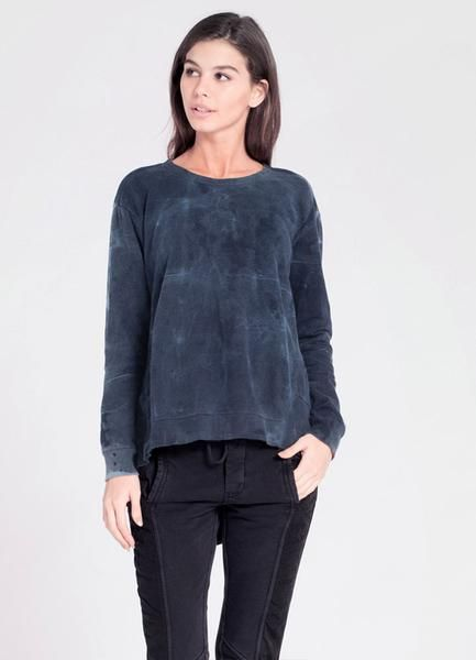 Oversized and cozy in Wilt's soft french terry. This scoop neck sweatshirt is longer in the back with twisty side seams.Ink batik print with dropped shoulders and rib-knit trim. 100% Cotton. Machine wash and dry. Made in the USA.