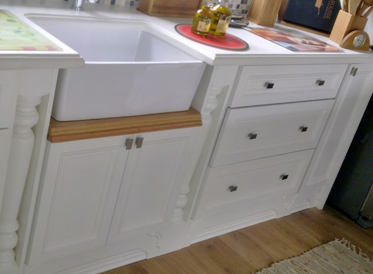 Country Kitchen - Butler sink on Red Oak solid top