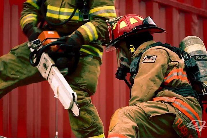 Les pompiers et le retour de flamme