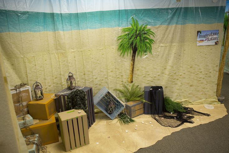 Hallway Decorations - Shipwrecked VBS #shipwrecked #shipwreckedVBS #decorating
