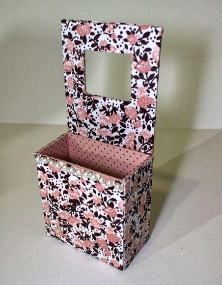 Artes Manuais com Kika Florence: Tutorial porta carregador de celular em cartonagem