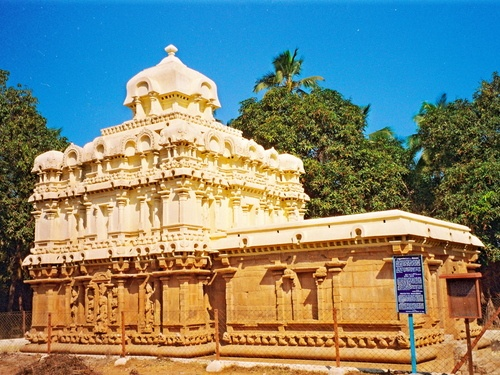 Great Living Chola Temples, India