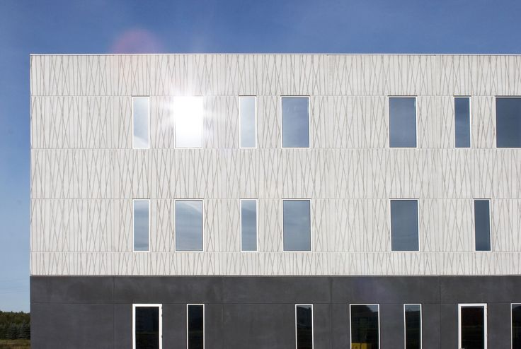 Pattern: Vertex. Viborg Office Building, Denmark 2010. Architecture by KPF Arkitekter AS, prefabrication by Ambercon A/S.