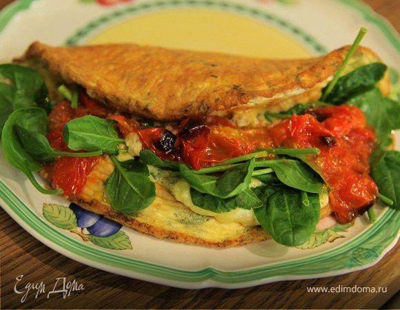Омлет со шпинатом и помидорами черри от Юлии Высоцкой. Аппетитный омлет с сочными овощами и зеленью. Если у вас не черри, а крупные помидоры, разрежьте их на небольшие дольки, но сердцевину с соком и семенами лучше удалить. Шпинат можно немного потомить на сливочном масле. #готовимдома #едимдома #кулинария #домашняяеда #утро #завтрак #вкусно #сытно #ароматное #блюдо #помидоры #черри #шпинат #омлет #длявсейсемьи