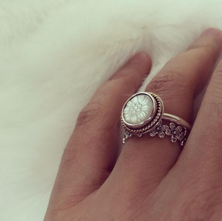 Pandora Mother Of Pearl Earrings: 25+ Best Ideas About Pandora Rings Stacked On Pinterest