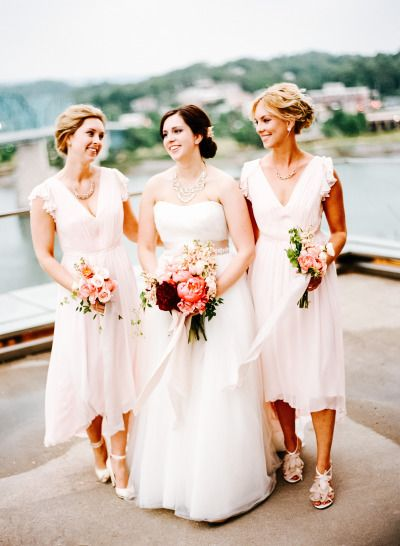 Small bridal party: http://www.stylemepretty.com/little-black-book-blog/2014/12/05/modern-art-inspired-styled-wedding-shoot/ | Photography: Bamber - http://www.bamberphotography.com/