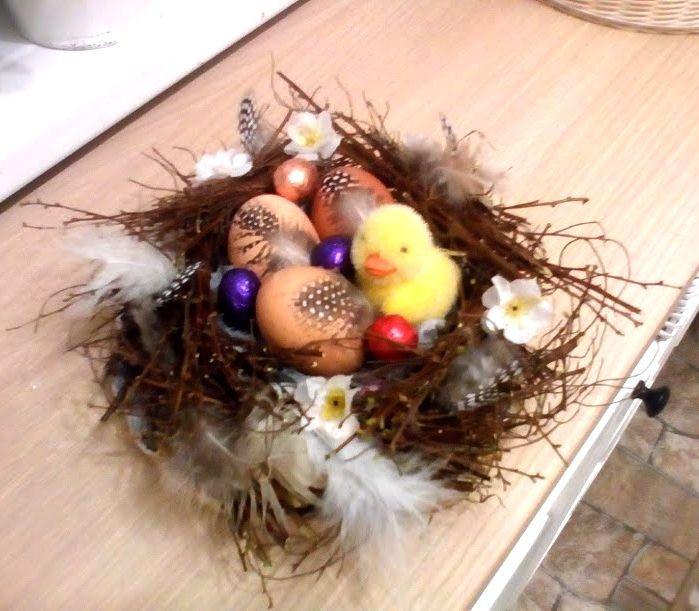 velikonoční hnízdo z větviček