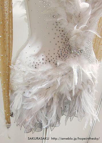 Mao Asada Swan Lake costume 浅田真央選手 白鳥の湖 衣装 裾 | ISU World Fig… | Flickr