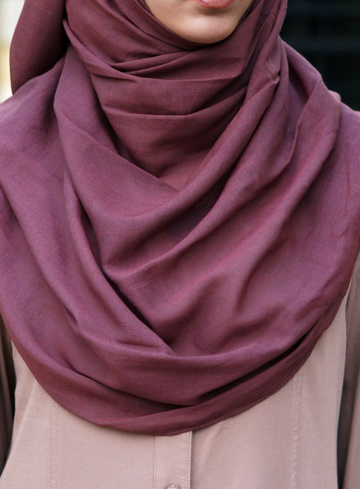 SHUKR Maxi Cotton Voile Hijab- and we mean Maxi! Extra length and width perfect for styling.