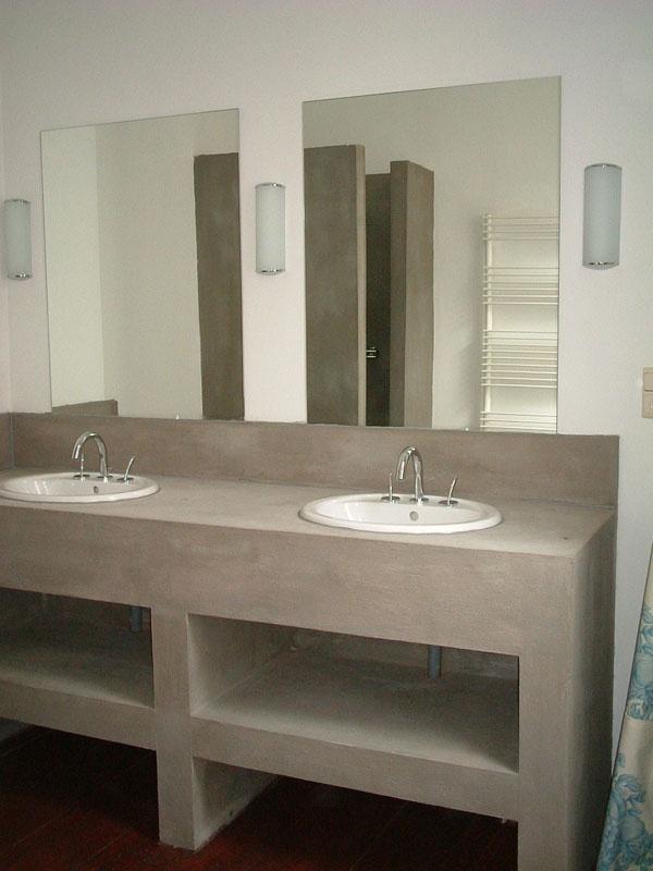 concrete bathroom counter