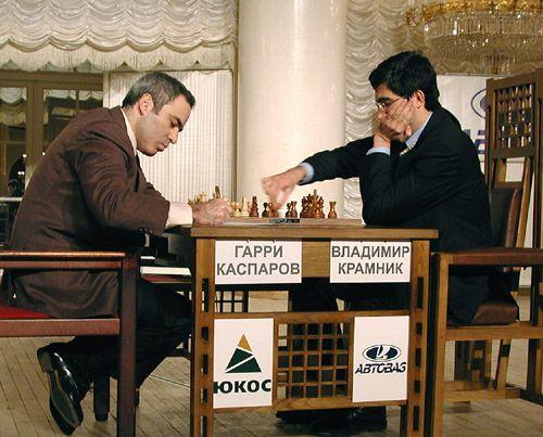 Kasparov playing against Vladimir Kramnik in the Botvinnik Memorial match in Moscow, 2001.