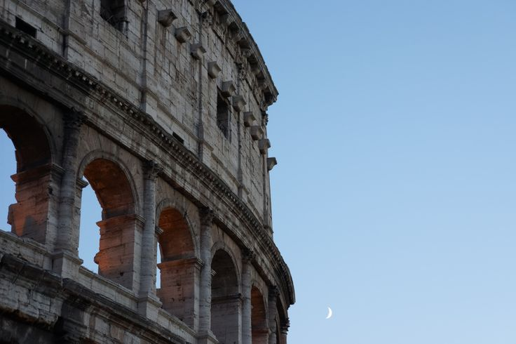 Moon.... Colosseum | Rome | Italy