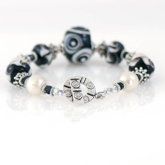 Handmad lampwork and swarovski crystal bracelet by Fay Designs jewellery Ireland