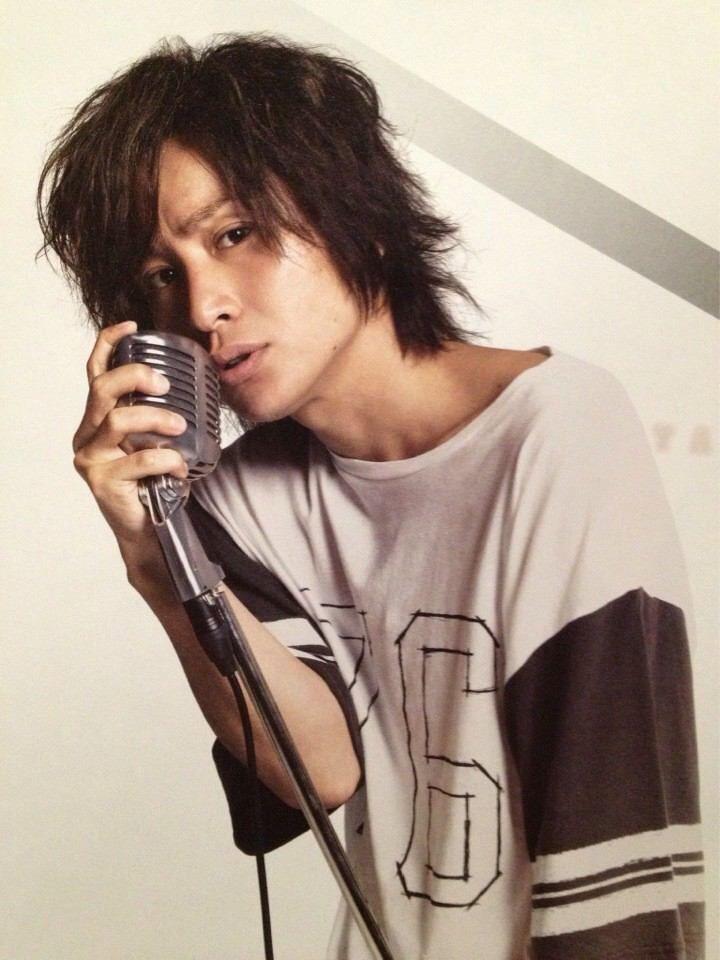 ワイルドな髪型の安田章大