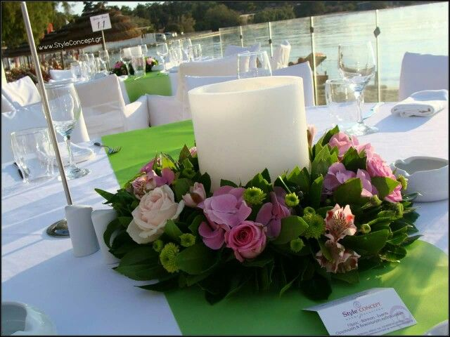 Flower wreath with candle for a seadide event.  #flowers #centerpiece #events