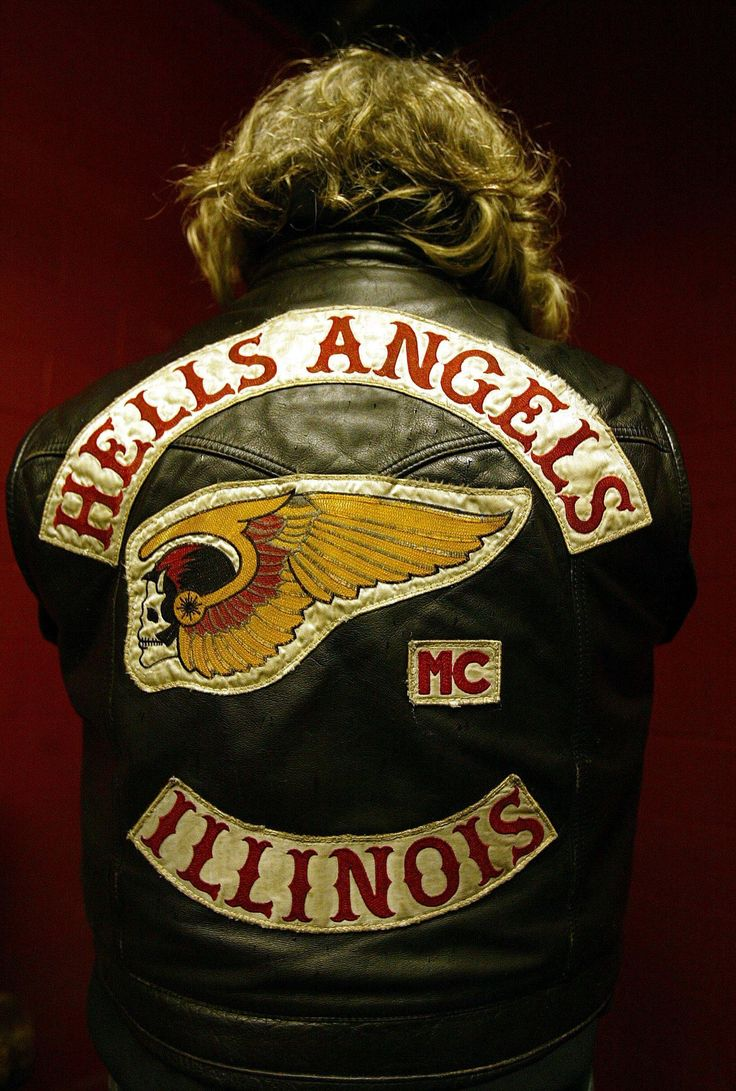 A Hells Angels member displays the back of his leather jacket inside the Hells Angels Clubhouse in Rockford (April 2004).